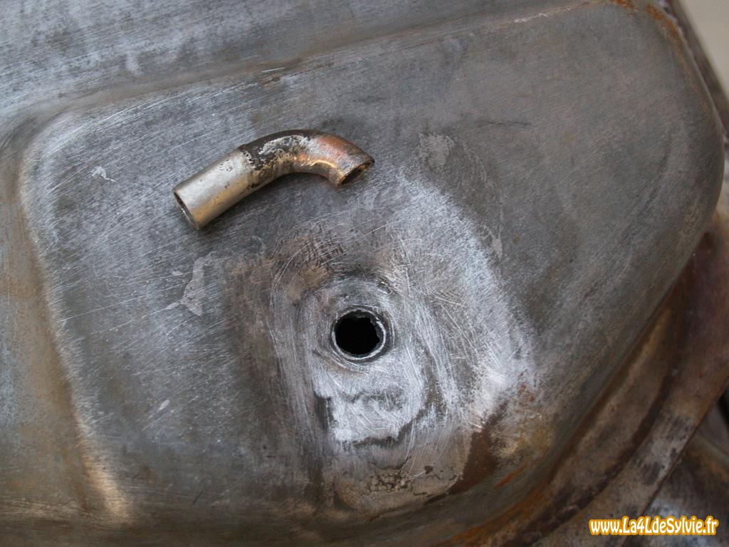 comment reparer un reservoir d'essence perce